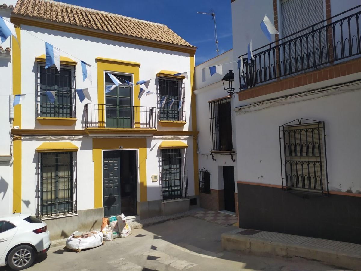 Chalet en Venta en  Cantillana
