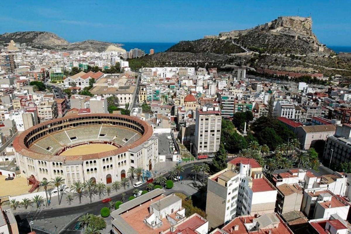 Edificio Dotacional en Venta en Campoamor-Carolinas-Altozano, Alicante/Alacant
