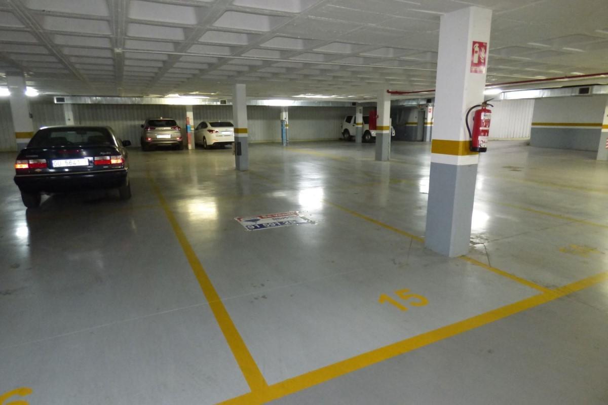 Garaje en Venta en  Guadalajara