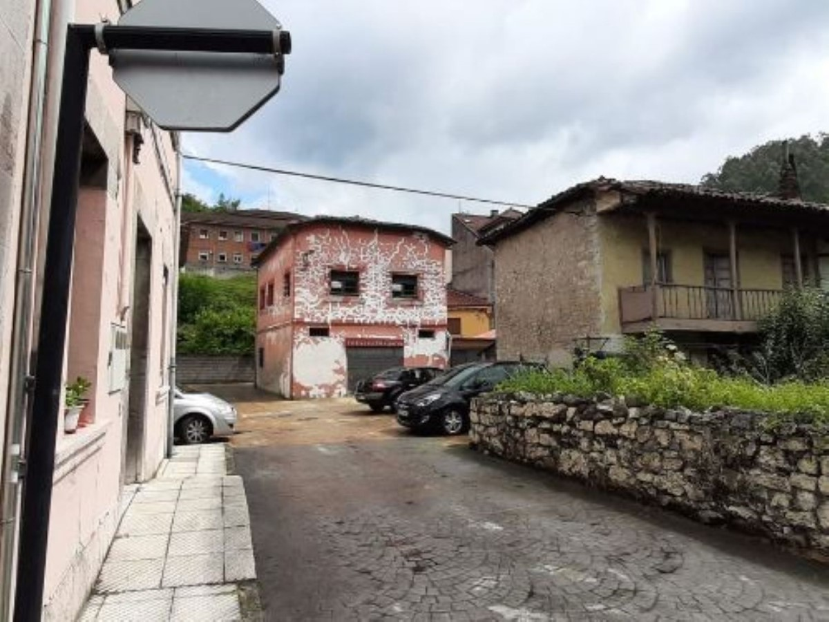 Chalet en Venta en  Oviedo