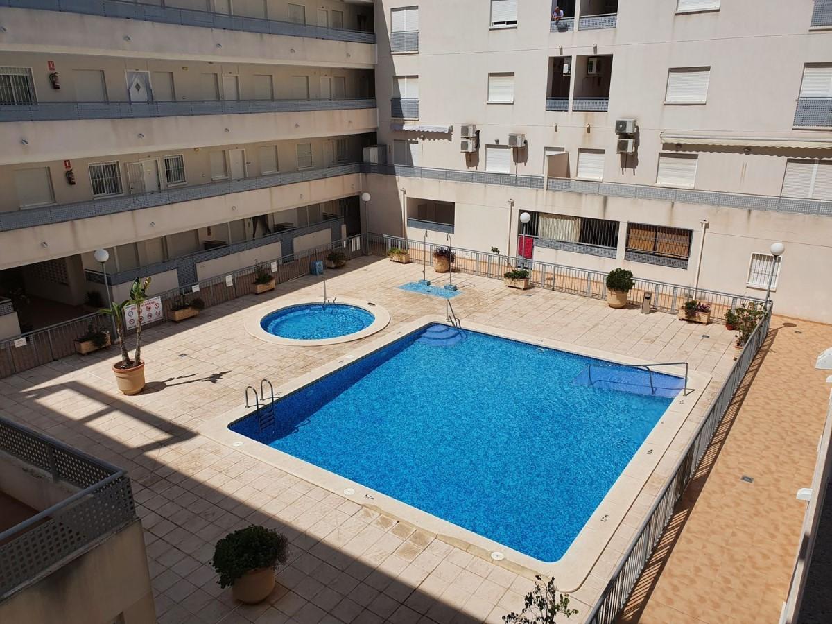 Apartment  For Sale in  Almoradí
