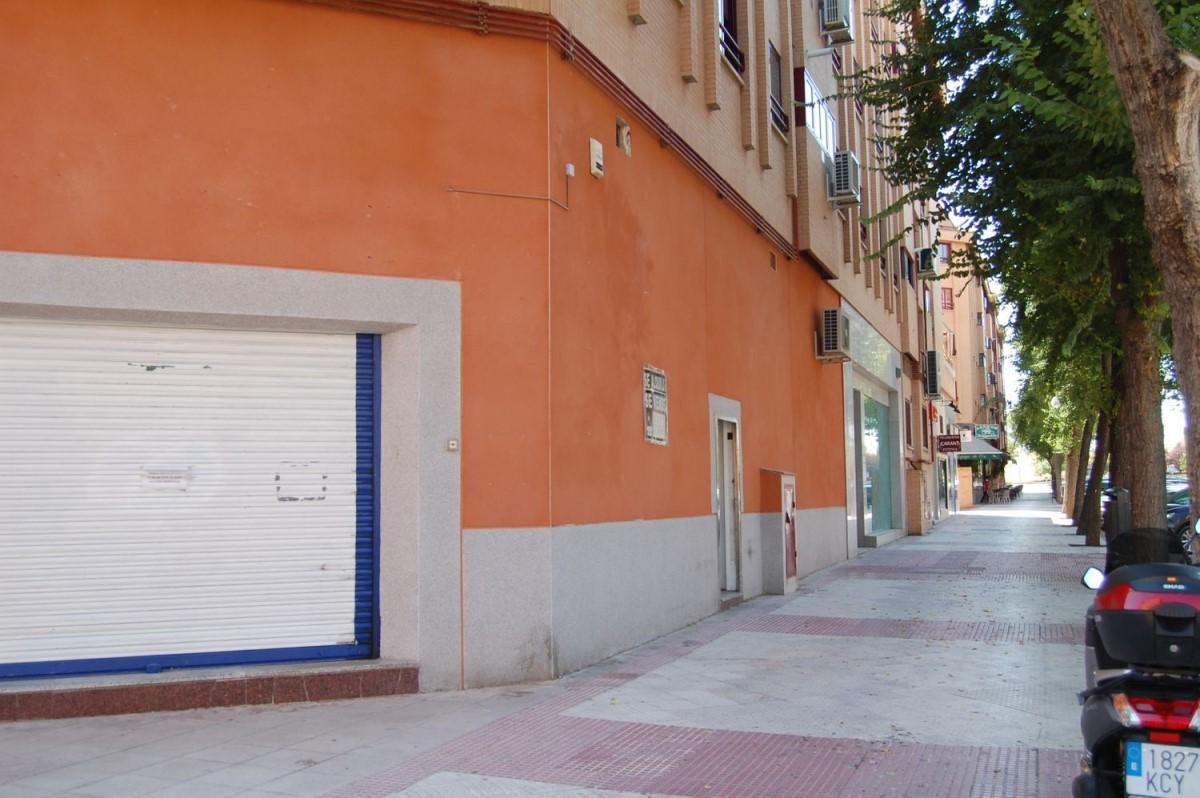 Local Comercial en Alquiler en  Alcobendas