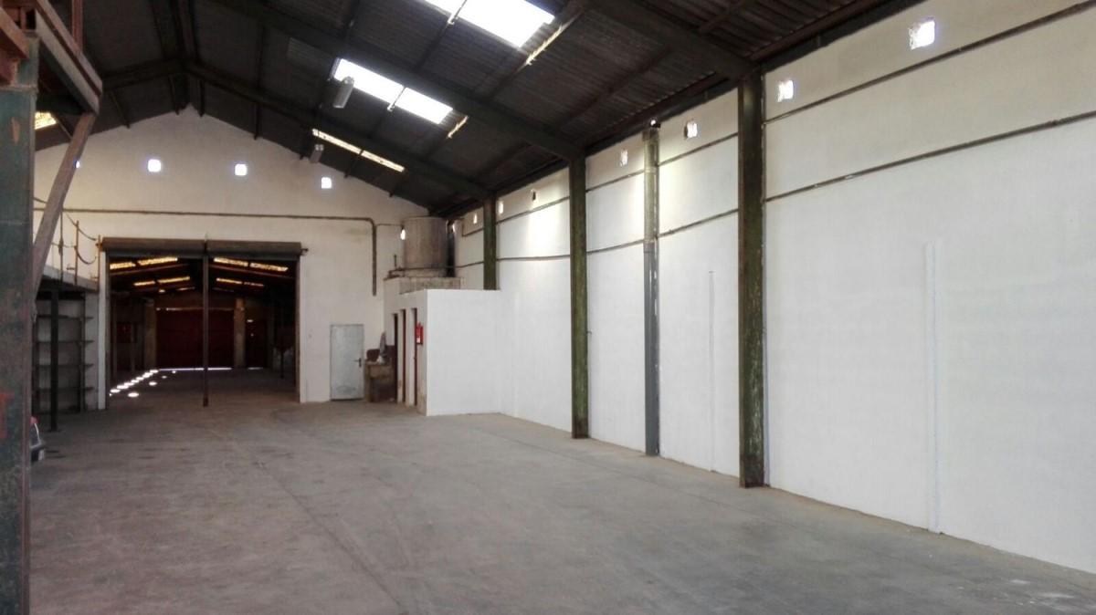 Nave Industrial en Alquiler en  Castellar-Oliveral