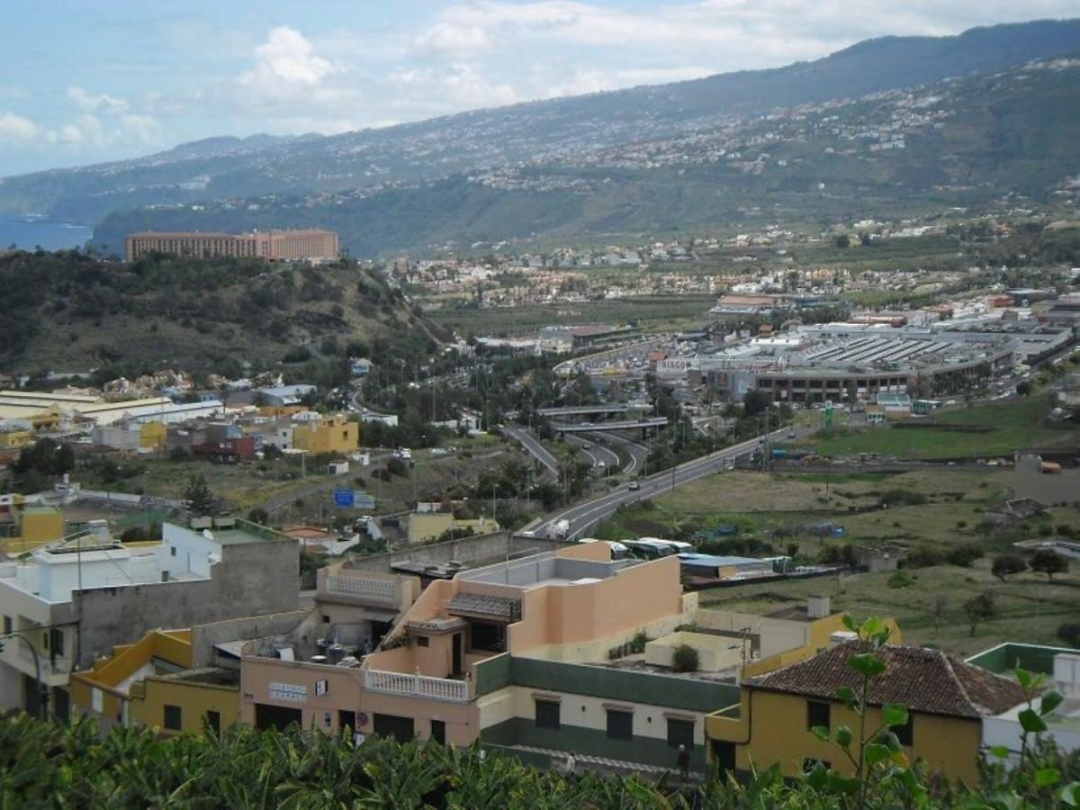 Chalet Adosado en Venta en  Puerto de La Cruz