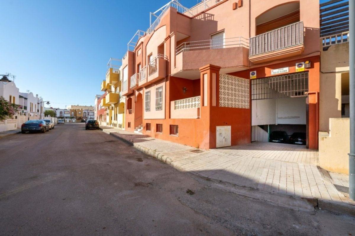 Garaje en Venta en  Cabo De Gata