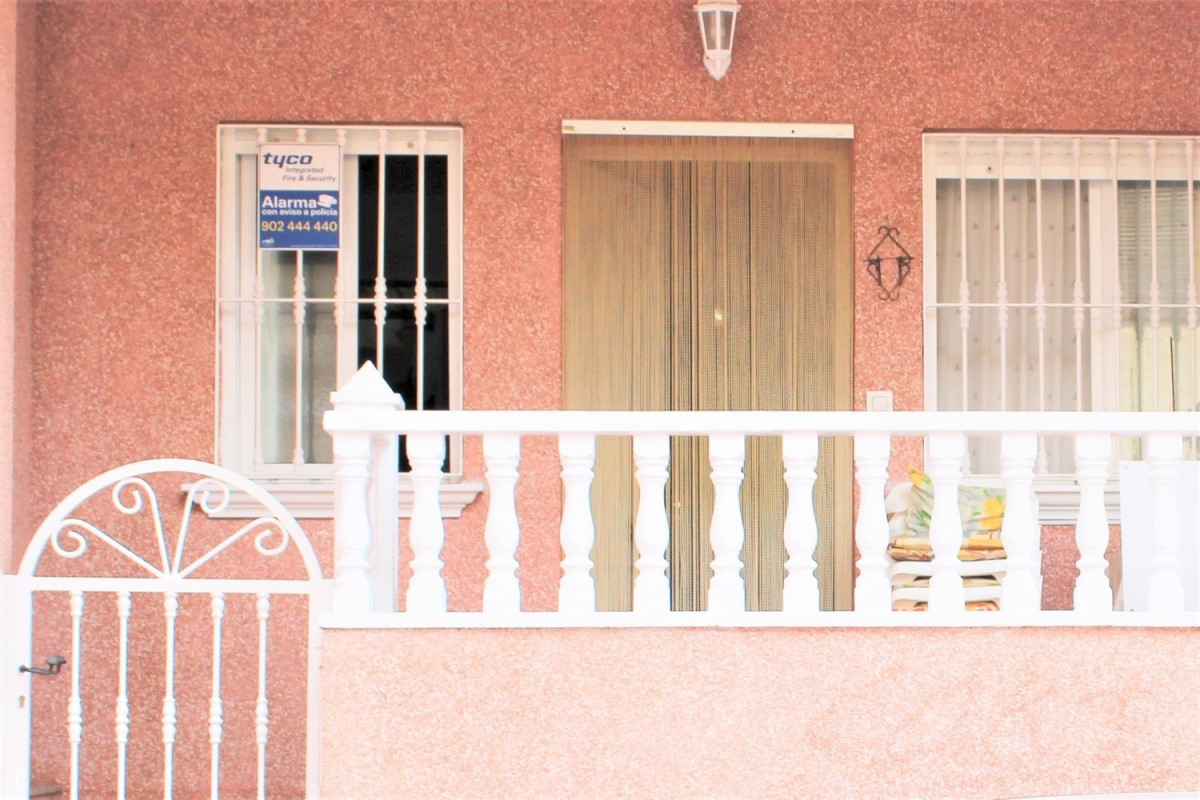 Apartment  For Sale in Playa Del Cura, Torrevieja