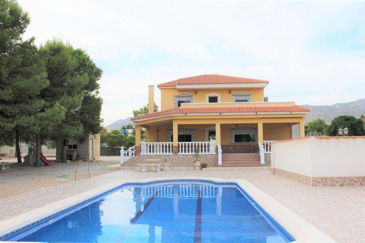 House  For Sale in  Crevillente
