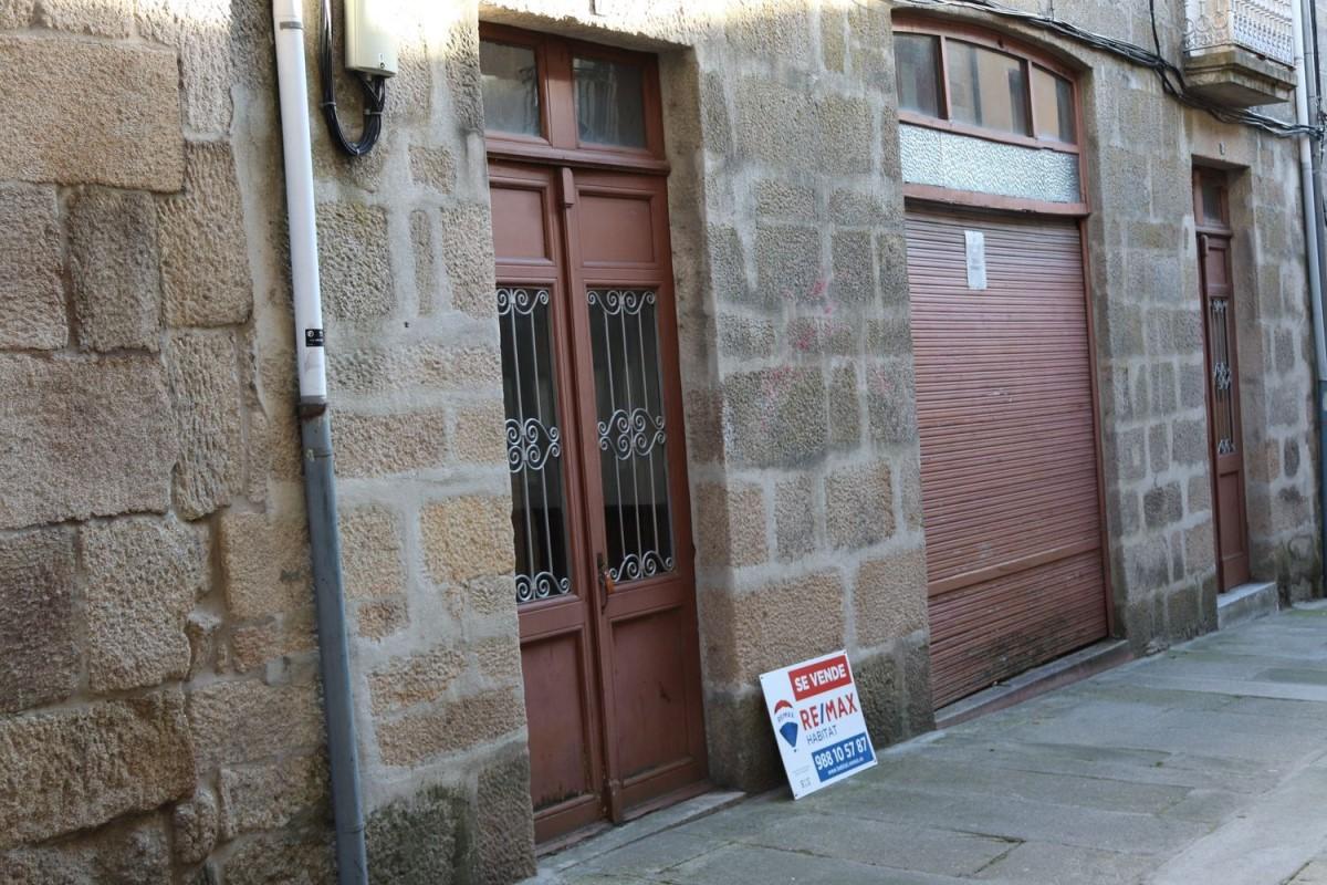 Edificio de Viviendas en Venta en  Allariz
