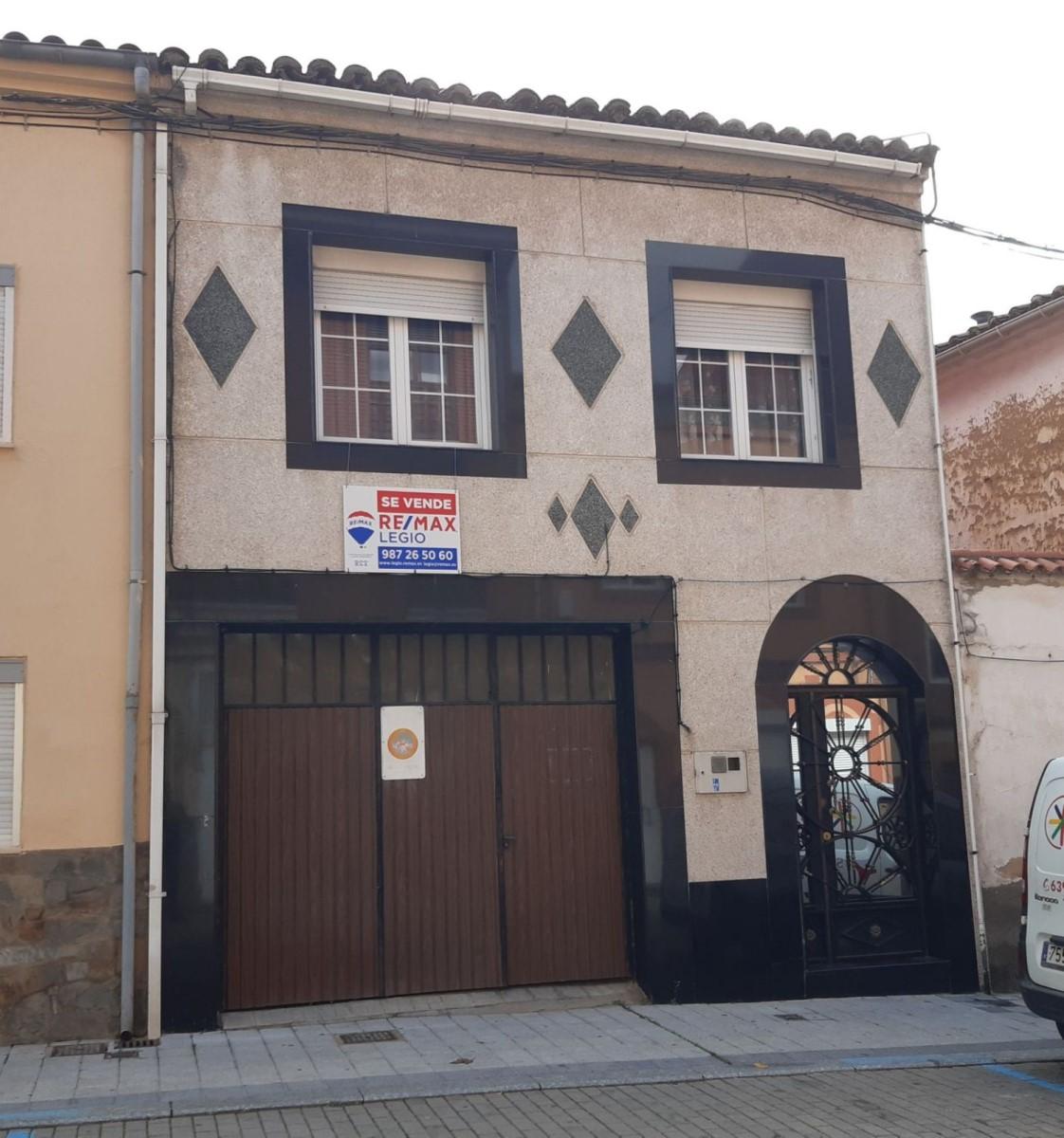 Casa Rural en Venta en  Benavente