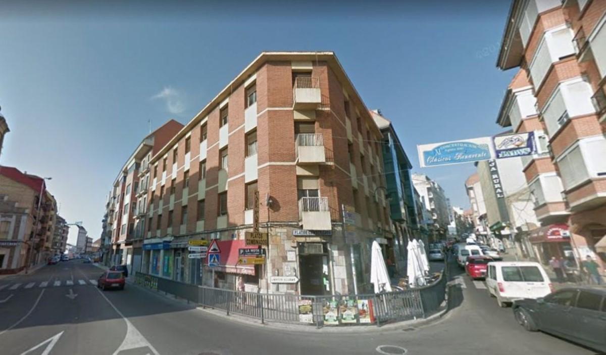Edificio de Viviendas en Venta en  Benavente
