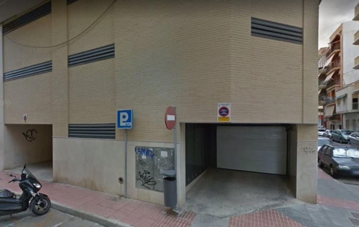 Garaje en Venta en  Santa Pola