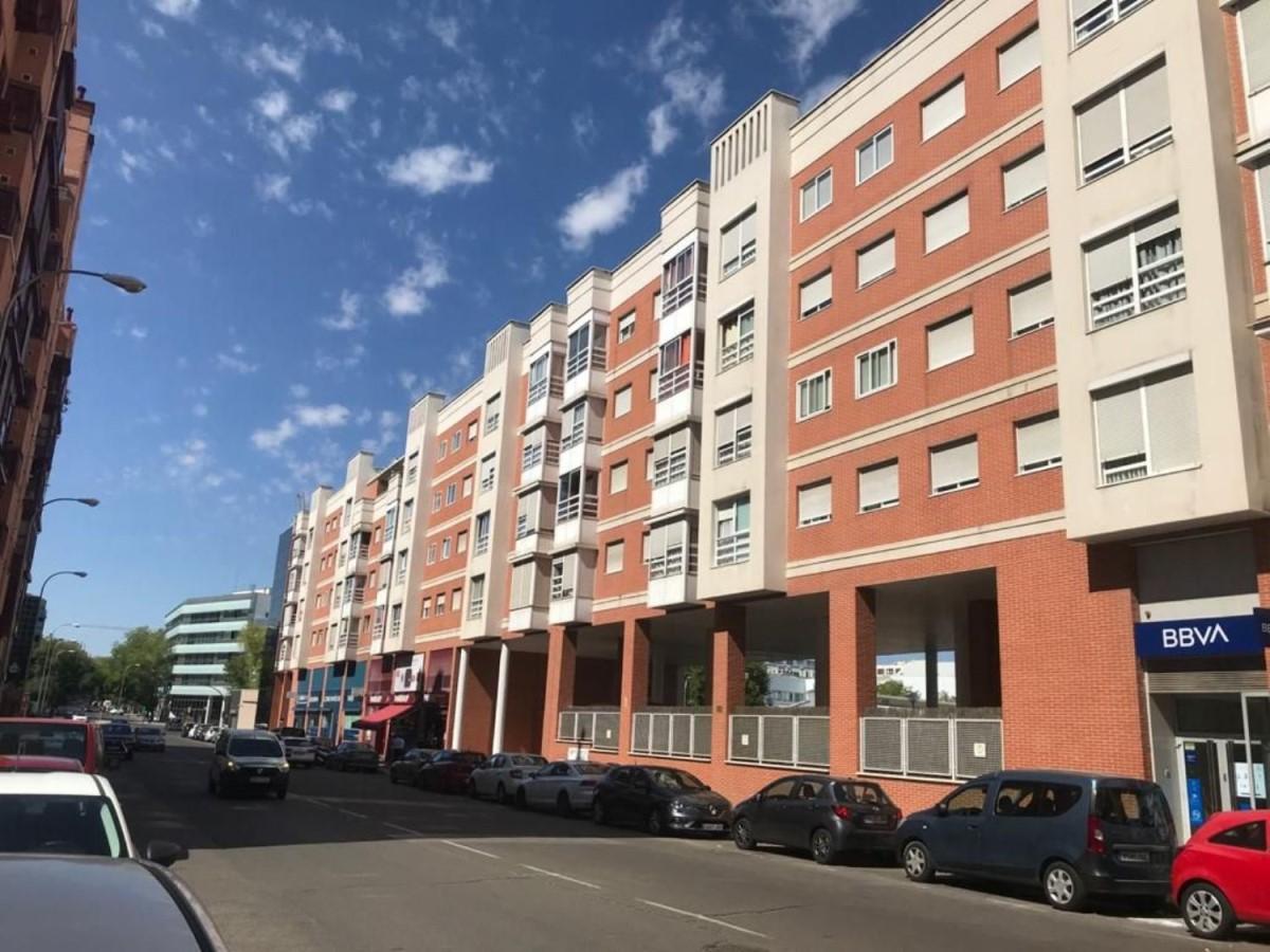 Piso en Alquiler en San Blas, Madrid