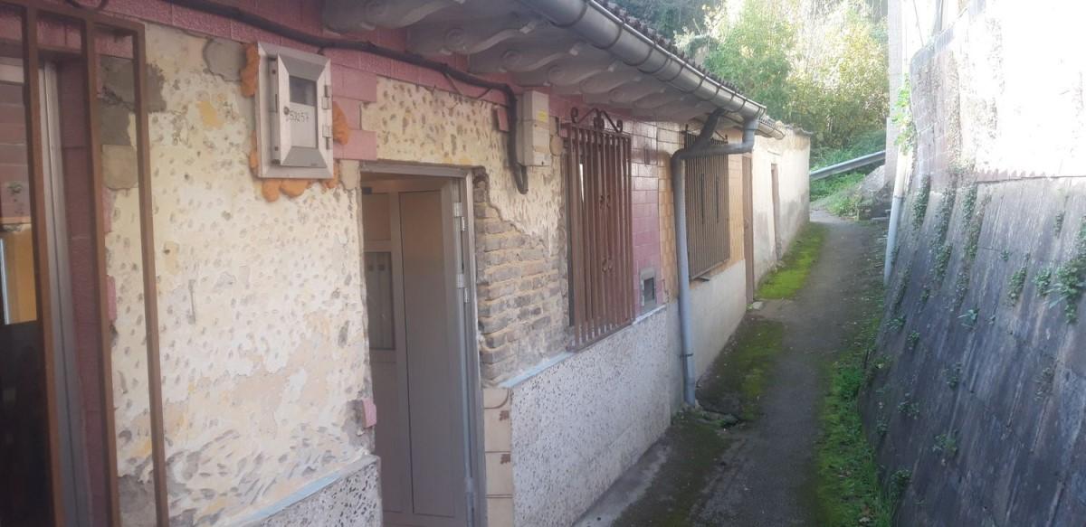 Casa Rural en Venta en  Mieres Del Camino