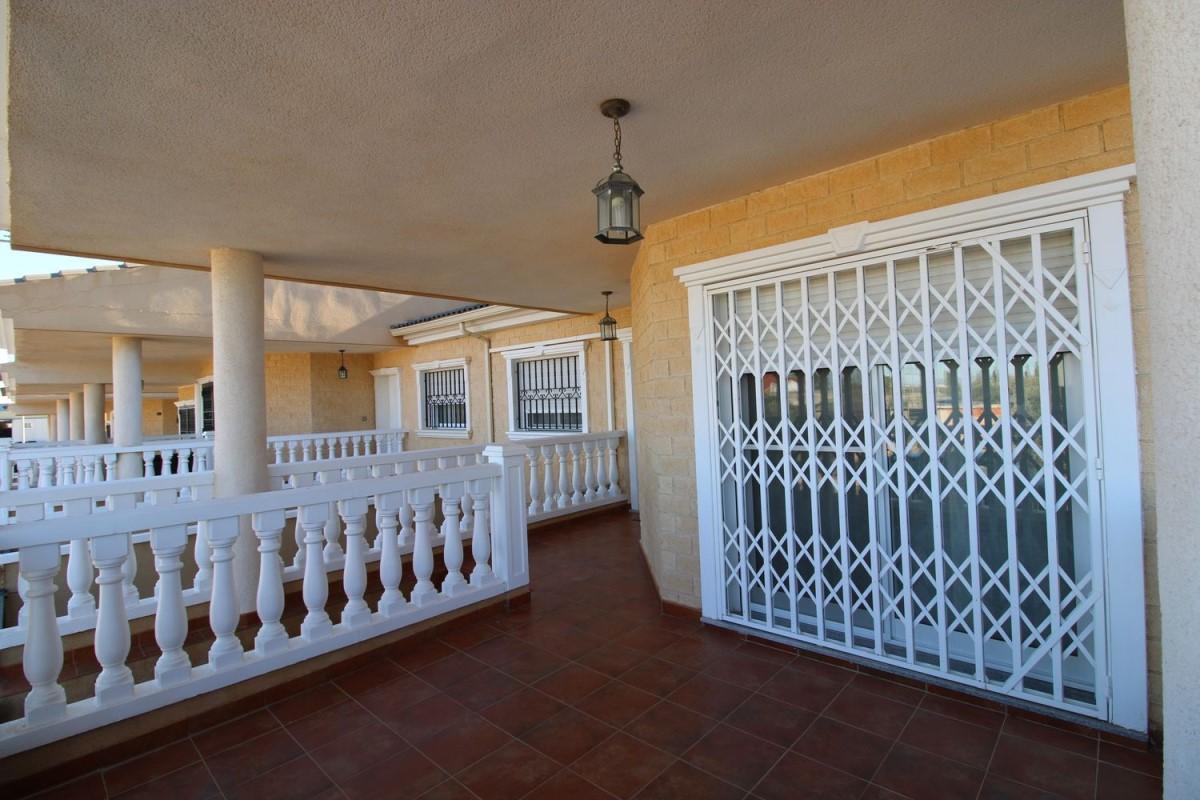 Chalet Adosado en Venta en  Cartagena