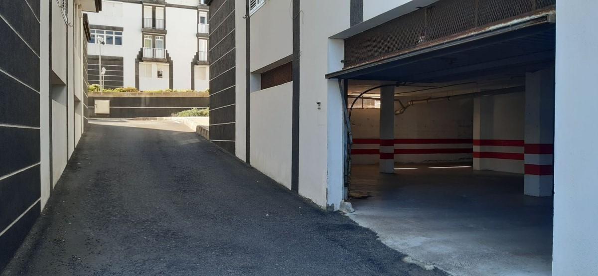 Garaje en Venta en  Moya