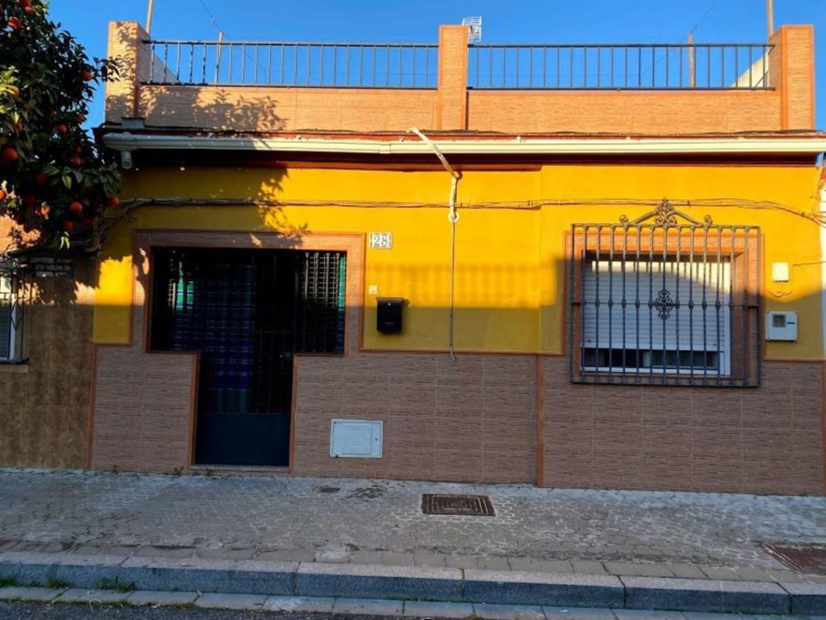Chalet Adosado en Venta en cerro amate, Sevilla