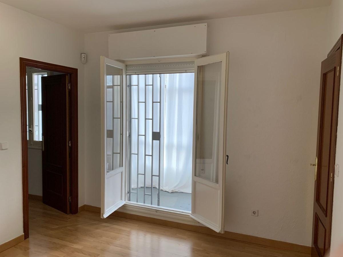 Oficina en Alquiler en Ciudad Lineal, Madrid