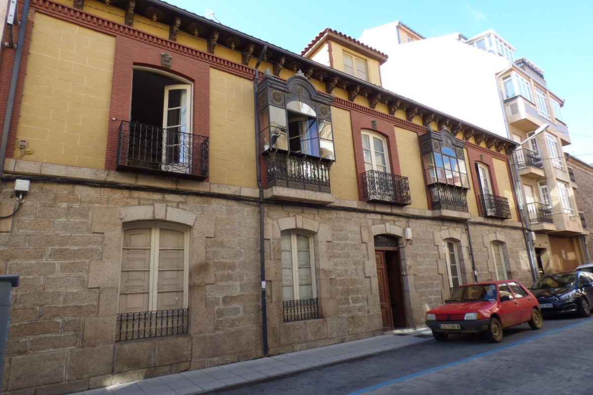 Casa Rural en Venta en  La Bañeza