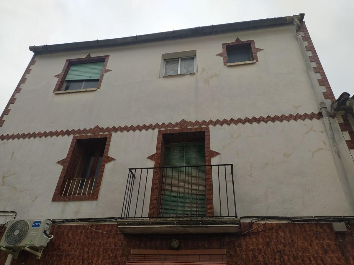 Edificio de Viviendas en Venta en  Bellús