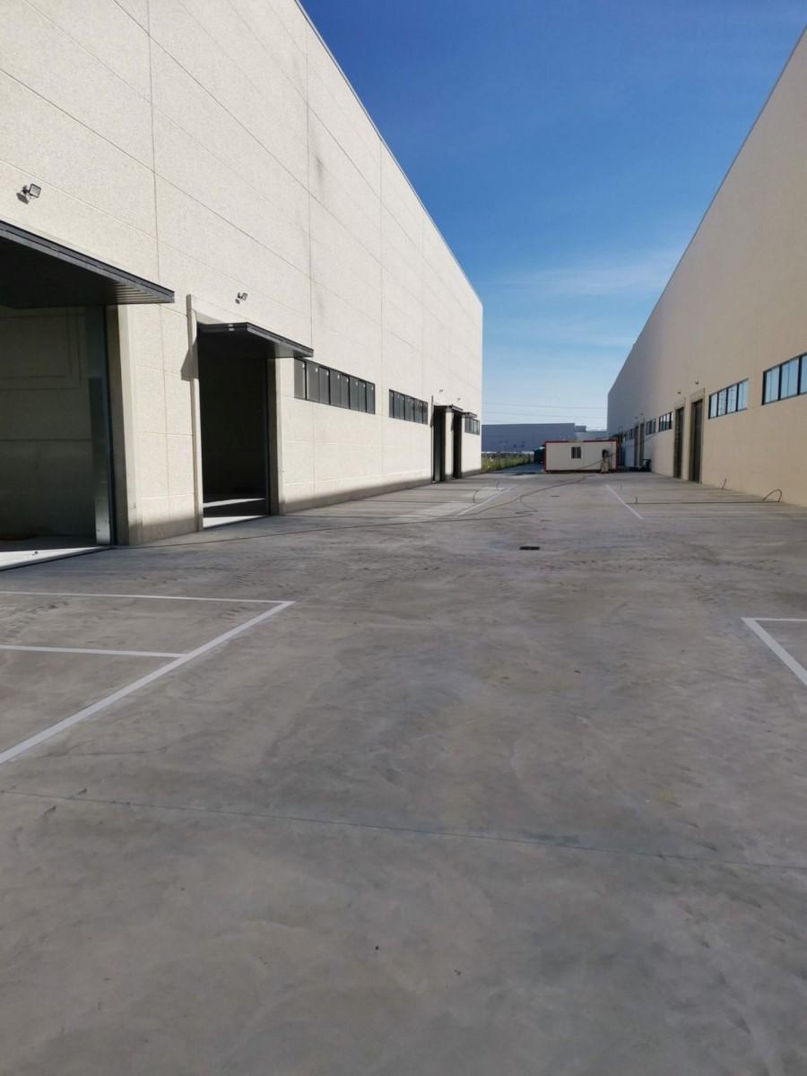 Nave Industrial en Alquiler en  Torrejón de Ardoz